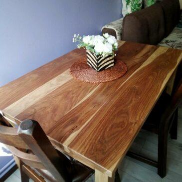 Stół z palisandru indyjskiego