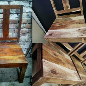 Akacjowe krzesła